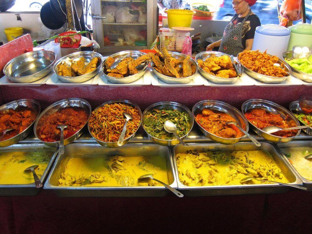Savourez la nourriture du Sarawak