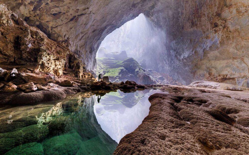 A l'intérieur de la grotte des éléphants