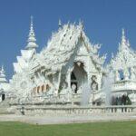 Visite du magnifique et effrayant temple blanc de Chiang Rai, en Thaïlande