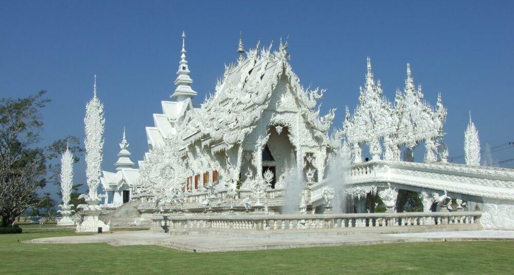 A propos du temple blanc (Wat Rong Khun)