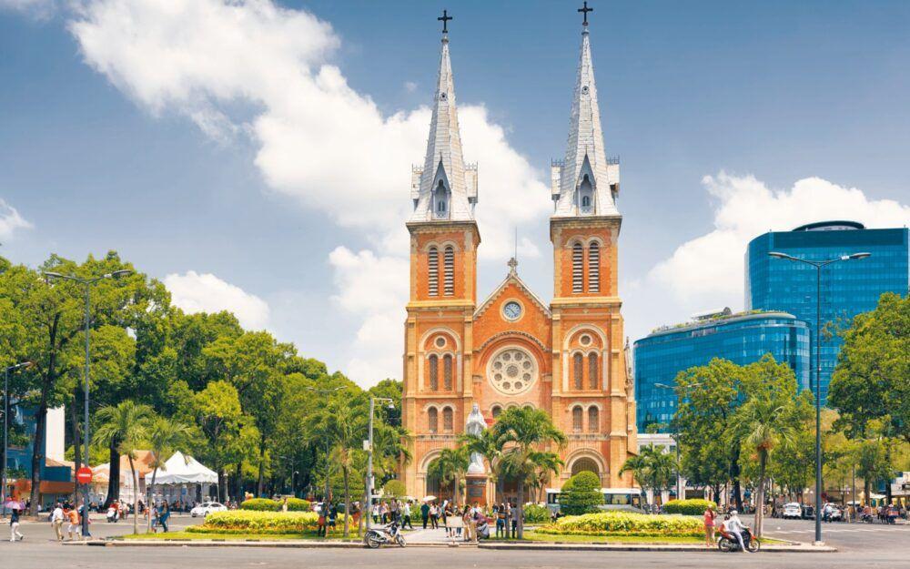 Découvrez la cathédrale Notre Dame de Saigon