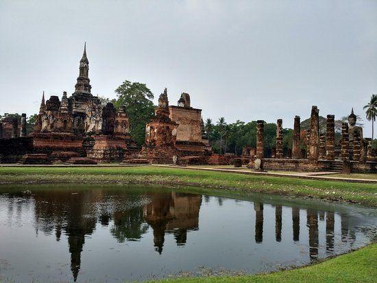 Découvrez la magie du Wat Si Chum