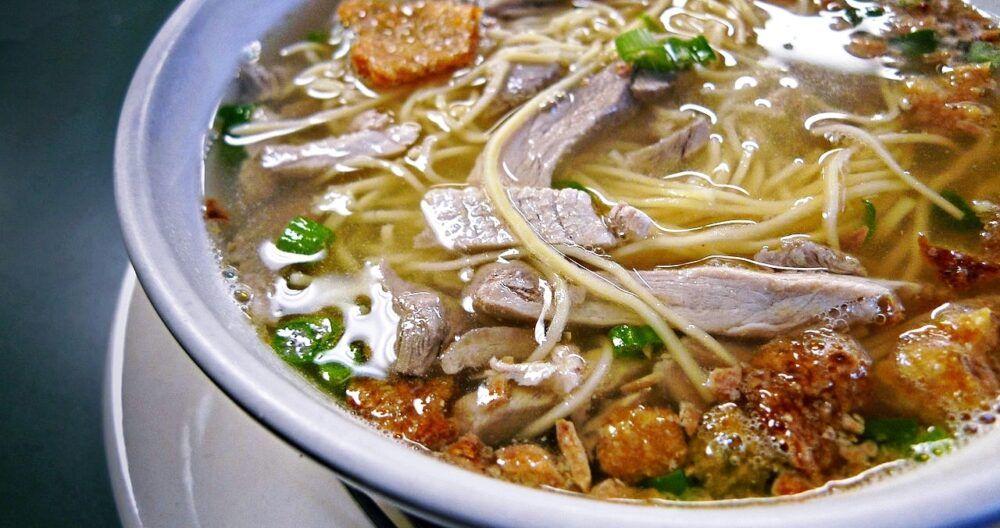Eat Netong's Original La Paz Batchoy Noodles