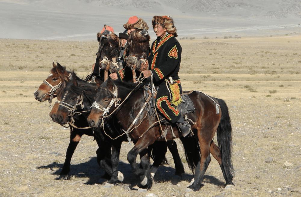 Explorez les montagnes de l'Altaï à cheval