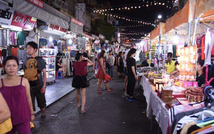 Parcourir le bazar de nuit