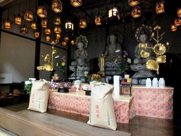 Prendre des photos à l'intérieur des temples
