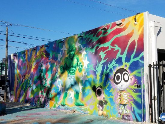 Promenade parmi les galeries d'art de Hollywood Road