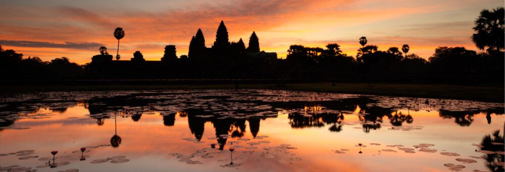 Regarder le coucher de soleil au Wat Sa Si