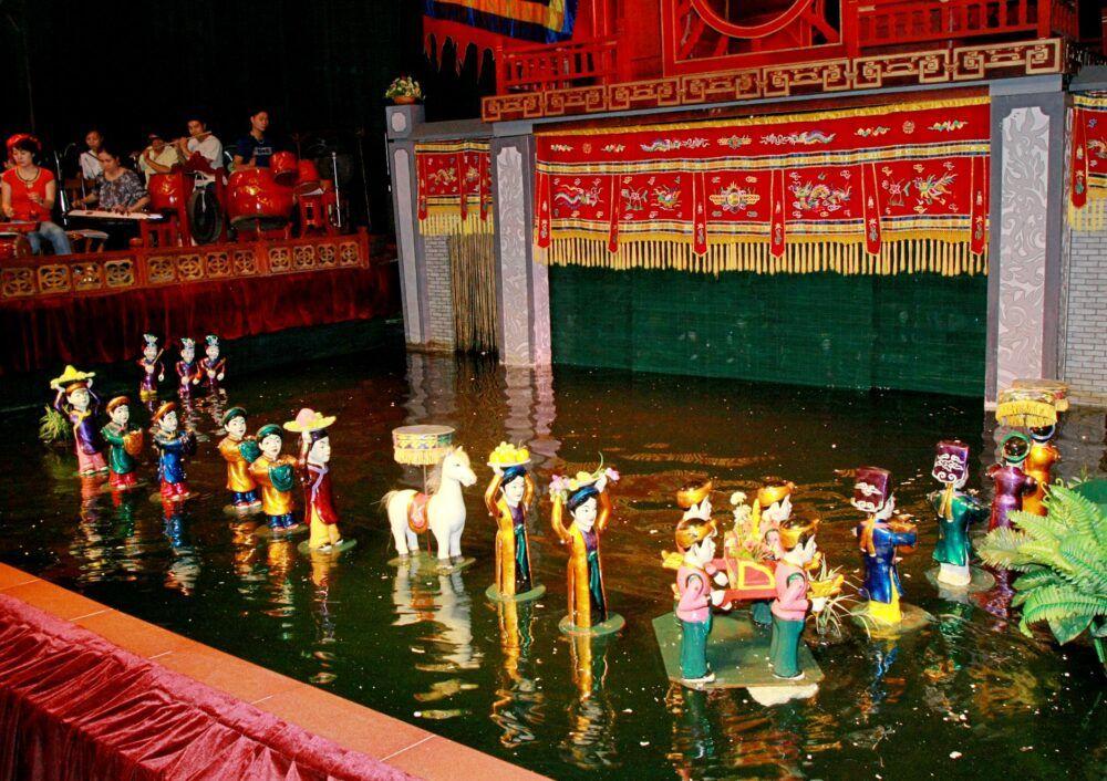 Spectacles de marionnettes d'eau à Hanoi et Saigon