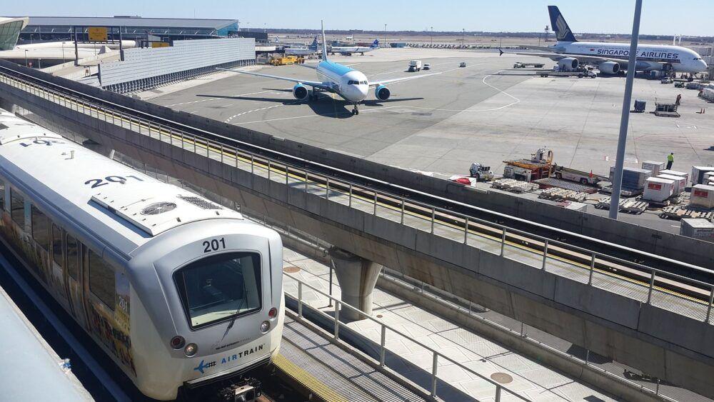 Trains et navettes d'aéroport