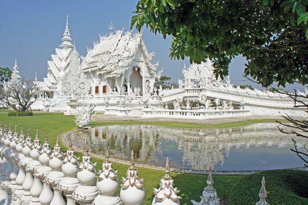 Visite du Wat Rong Khun à Chiang Rai