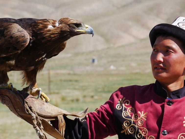 Visitez les chasseurs d'aigles