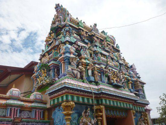 Visitez un ou deux temples hindous