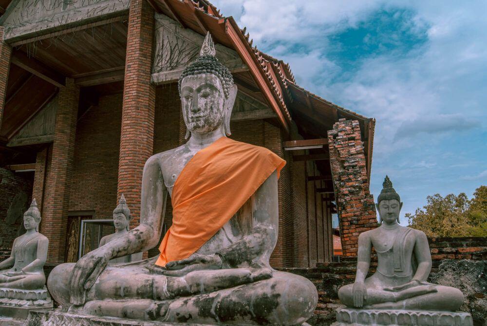 Voir une statue de Bouddha plus ancienne qu'Ayutthaya