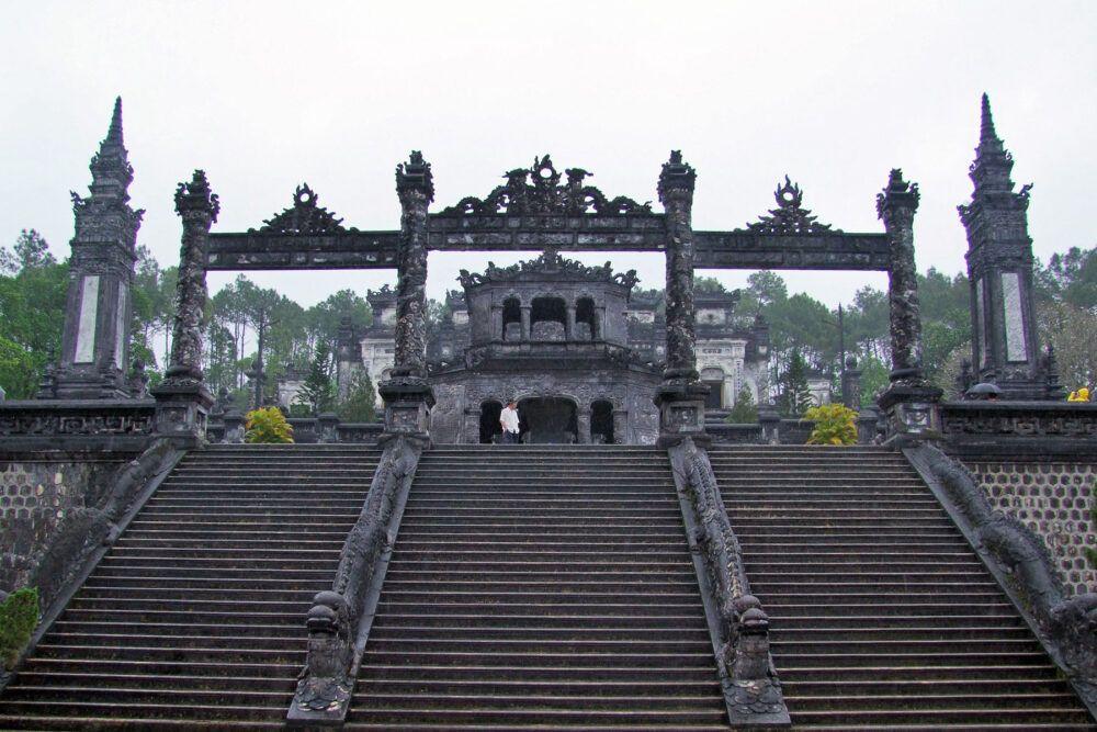 les tombes de Hue