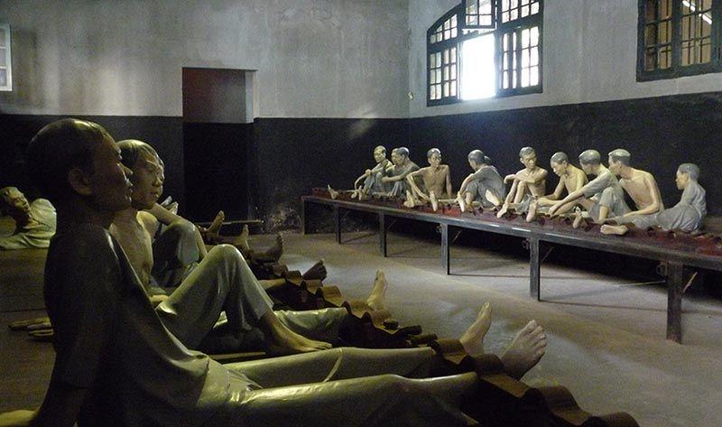 "Guide de visite de la prison de Hoa Lo - Le ""Hilton de Hanoi 9"